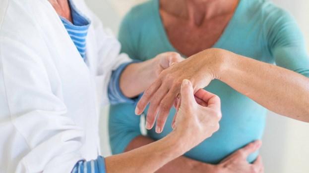phương pháp điều trị viêm khớp dạng thấp