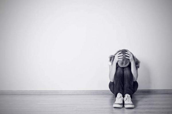 """Vì sao """"Đông trùng hạ thảo"""" là khắc tinh của bệnh mất ngủ, trầm uất?"""